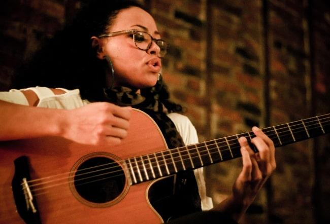 Elle Varner performing on November 16, 2011 in Brooklyn in New York for Sofar Sounds