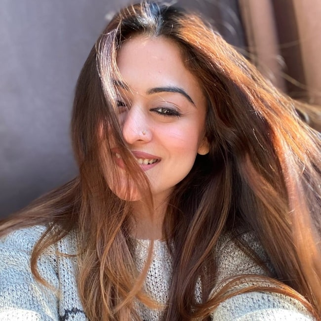 Falaq Naaz as seen while taking a sun-kissed selfie in January 2020