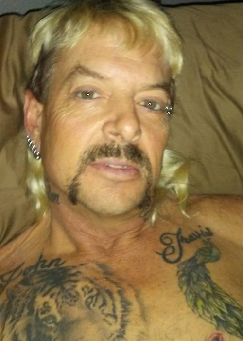 Joe Exotic taking a shirtless selfie