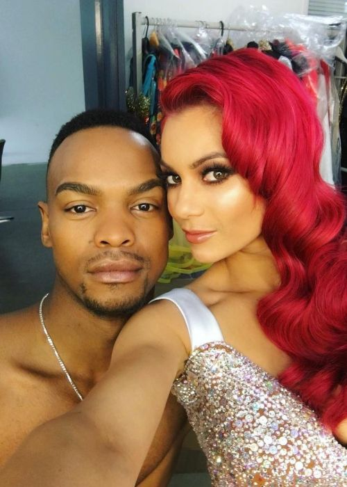 Johannes Radebe seen in a selfie with Dianne Buswell in February 2019