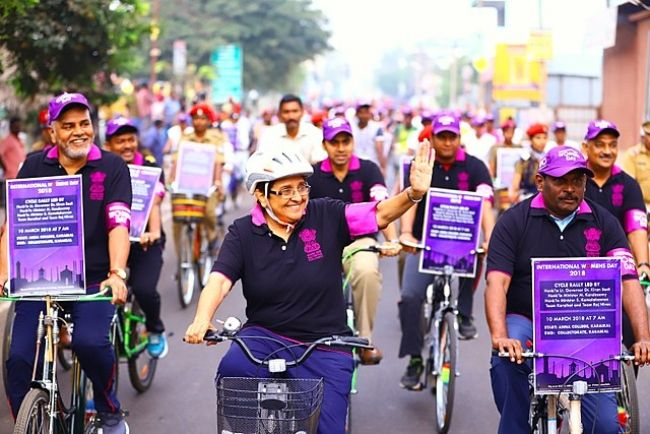 Kiran Bedi leading a cycle rally on International Women's Day in 2018