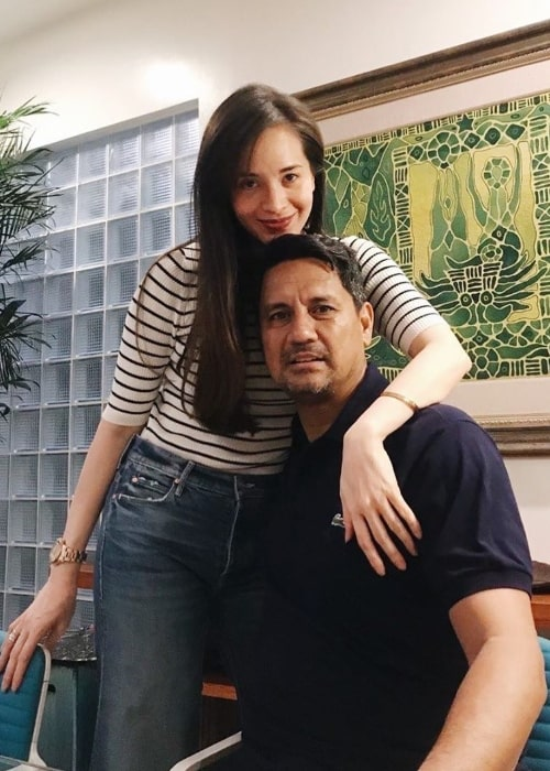 Lucy Torres Gomez posing for a picture along with Richard Gomez in 2020