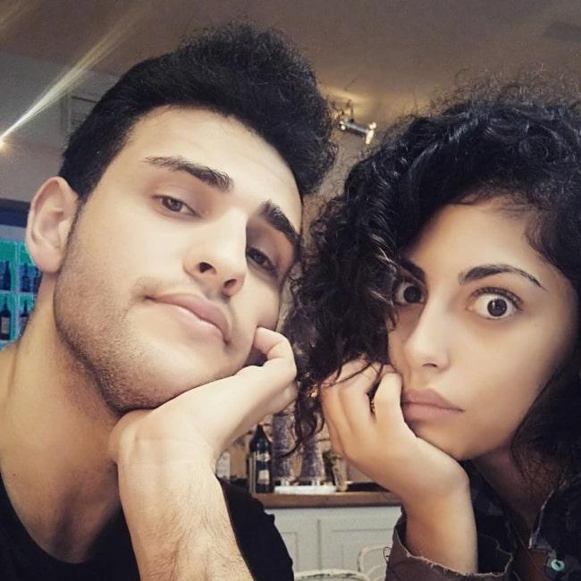 Mina El Hammani in a selfie alongside Miguel De La Cal in November 2016