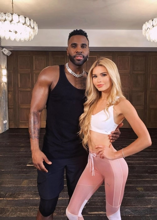 Pamela Reif as seen in a picture taken with singer and songwriter Jason Derulo in January 2020