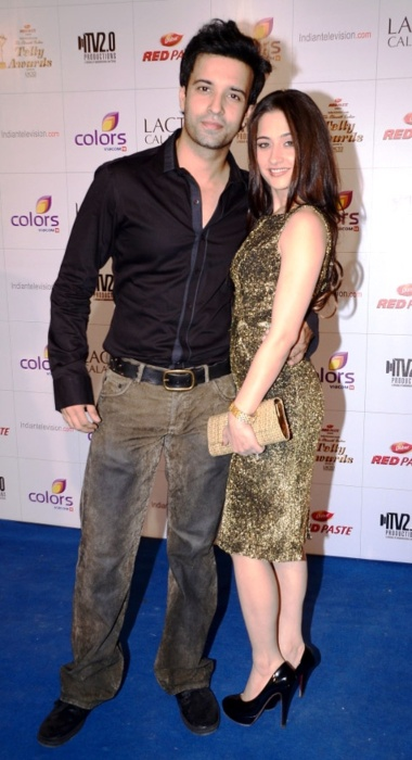 Sanjeeda Sheikh and Aamir Ali during Colors Telly Awards in 2012. (1)