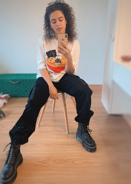 Sanya Malhotra in a mirror selfie from 2019.