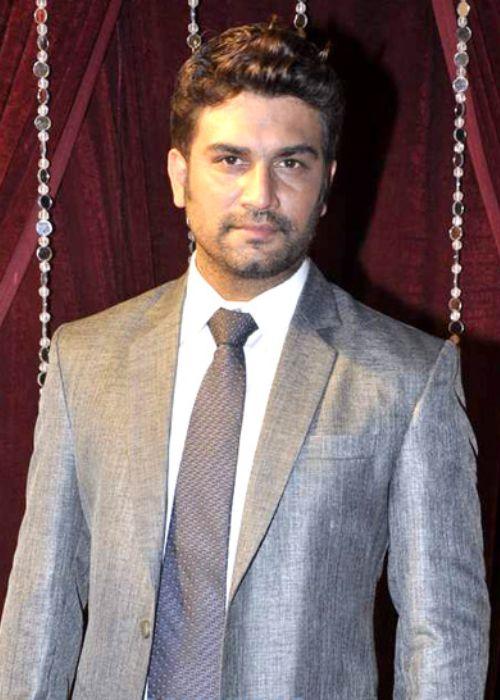 Sharad_Kelkar at Zee Rishtey Awards in 2012