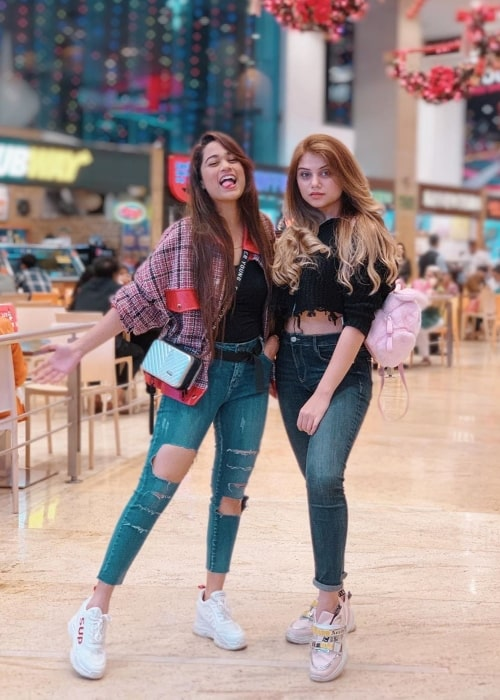 Shriya Jain as seen in a picture taken with her friend Vrushali in January 2020