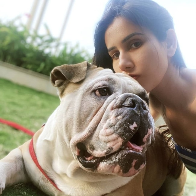 Sonnalli Seygall as seen in a picture taken with her pet dog Shamsher in March 2020