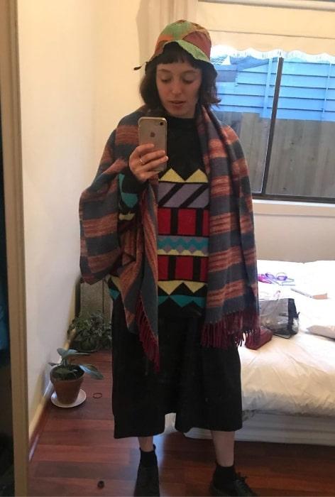 Stella Donnelly taking a mirror selfie in September 2019