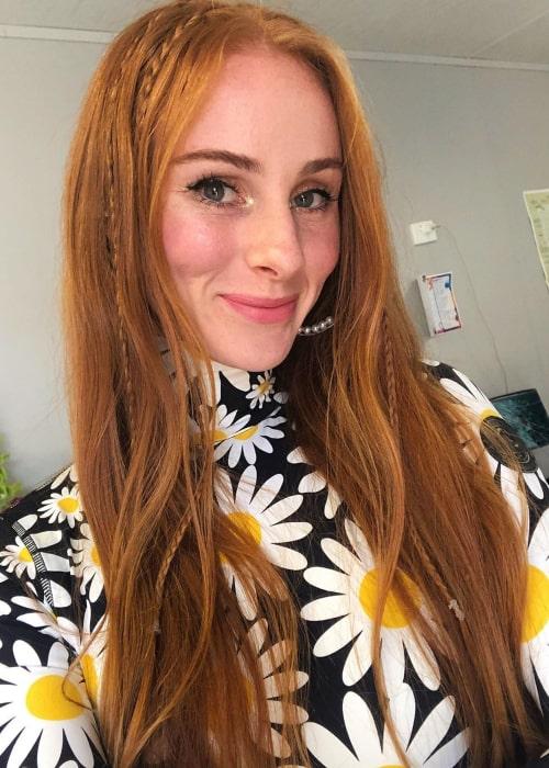 Vera Blue in an Instagram selfie from December 2019