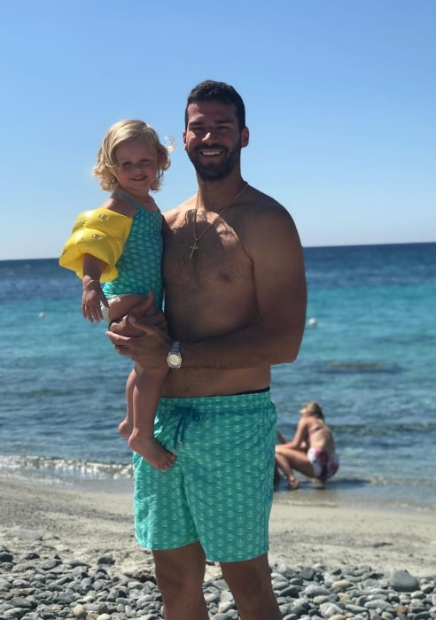 Alisson Becker chilling out at the beach in July 2019