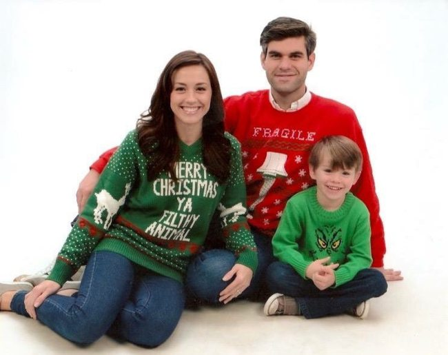 Ashley Bratcher with her family during Christmas in 2019