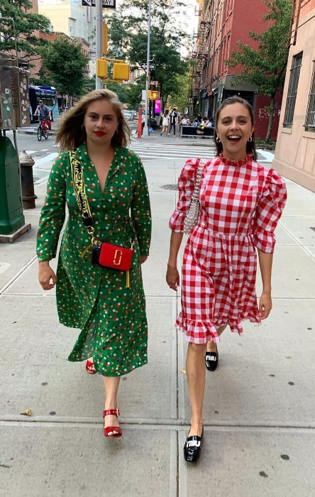 Bel Powley (Right) and Honor Powley in July 2019
