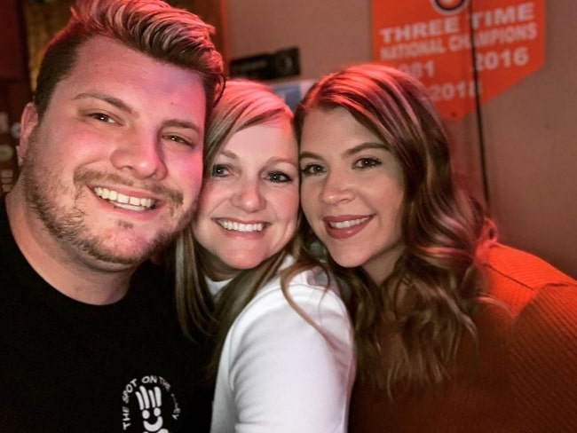 Codi Butts in a selfie along with Michelle Hardy (Center) and Jerica Vickery in February 2020