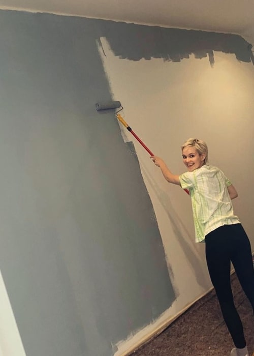 Emilia Schüle as seen in a picture taken while she painted the walls of her home in during the lockdown due to Covid-19 in May 2020