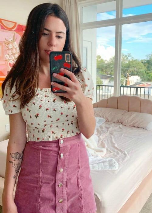 GamingWithJen in a selfie in October 2019