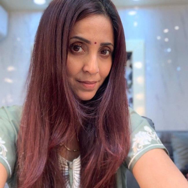 Gautami Kapoor in her makeup during a shoot in 2019