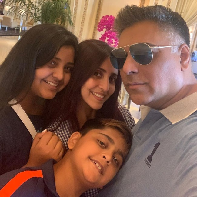 Gautami Kapoor with her family in 2019