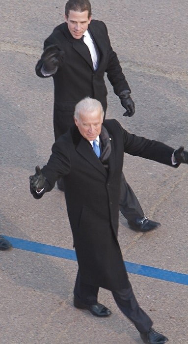 Hunter Biden (Back) as seen with father Joe Biden at Barack Obama 2009 presidential inaugural parade