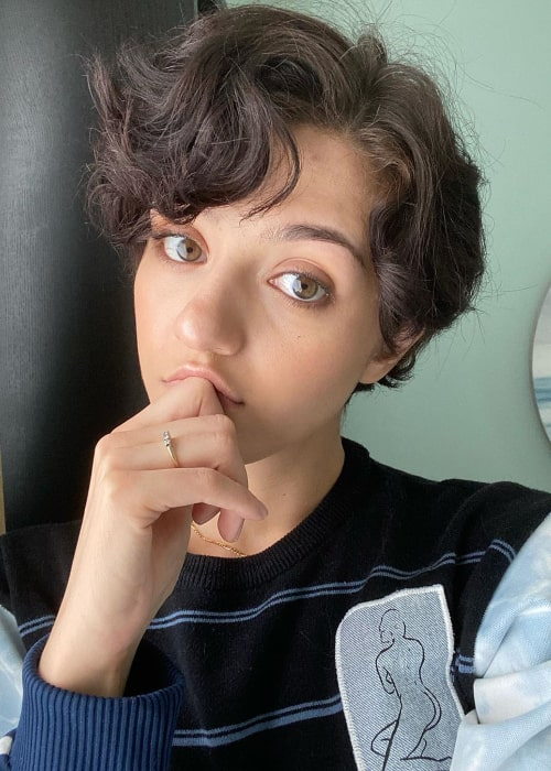 Katie Findlay as seen while clicking a selfie in May 2020
