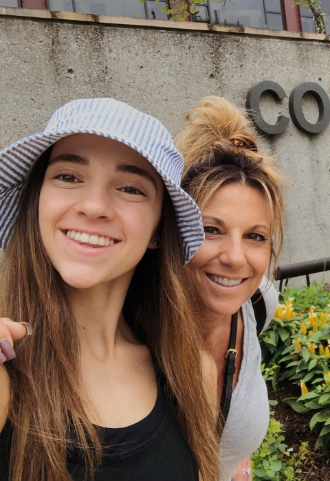 Kaycee Rice clicking a selfie along with her mother