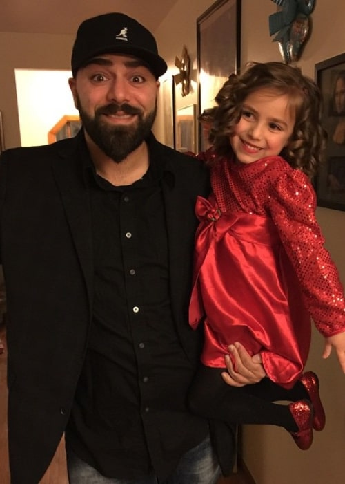 Keemstar as seen in a picture taken with his daughter Mia in February 2015