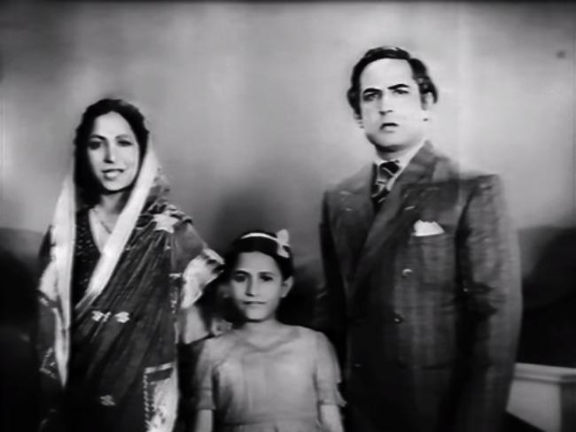 Madhubala along with Mumtaz Shanti and Ulhas in Basant in 1942