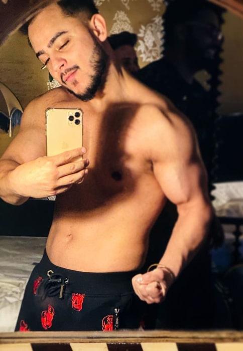 Millind Gaba as seen while taking a mirror selfie in November 2019