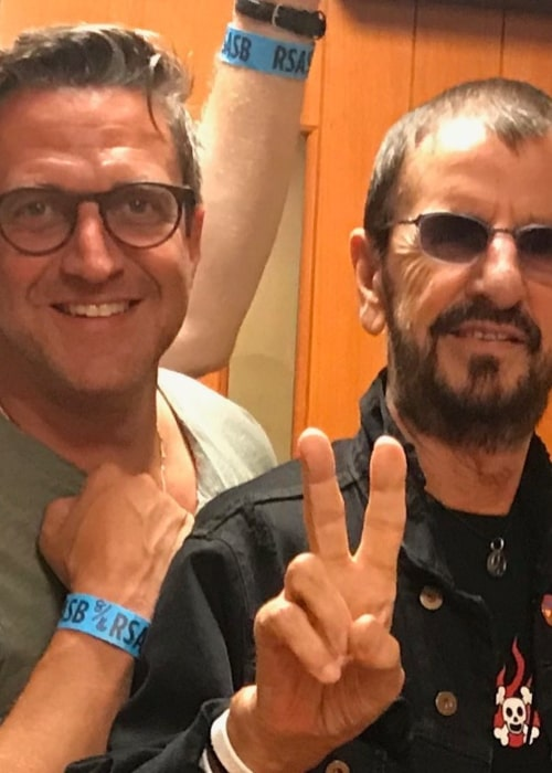 Raúl Esparza with legendary drummer Ringo Starr, as seen in August 2019