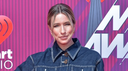 Renee Bargh Height, Weight, Age, Body Statistics