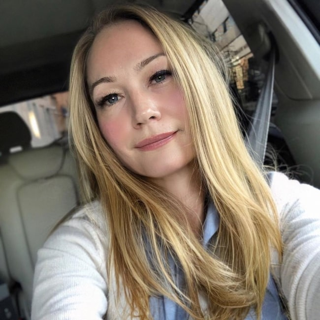 Sarah Wynter as seen while clicking a car selfie in 2020