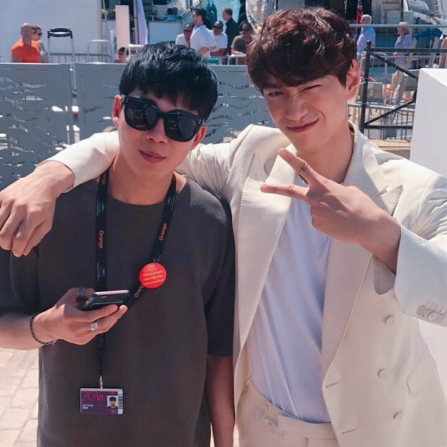 Sung Joon (Right) with his friend as seen in May 2017