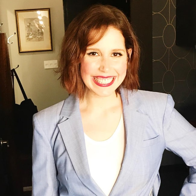 Vanessa Bayer as seen while smiling for a picture in March 2018