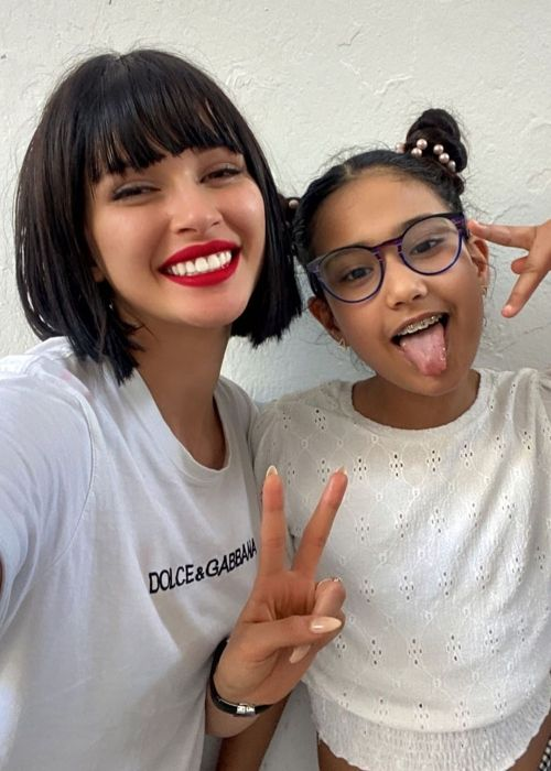 Azza Slimene posing with her niece in May 2020