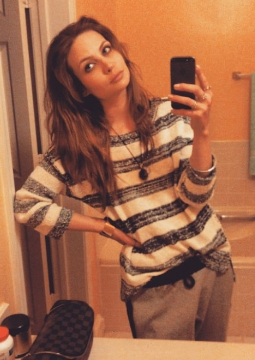 Daveigh Chase sharing her selfie in May 2015