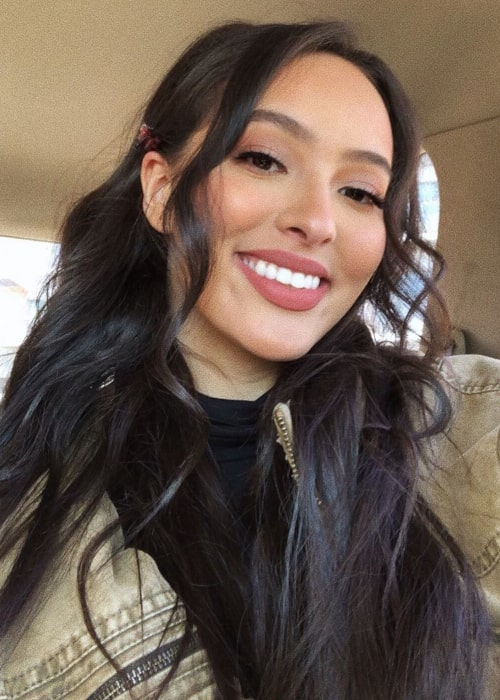Faouzia in an Instagram selfie from May 2020