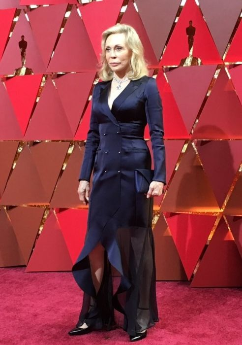 Faye Dunaway seen at the Oscars red carpet in 2017