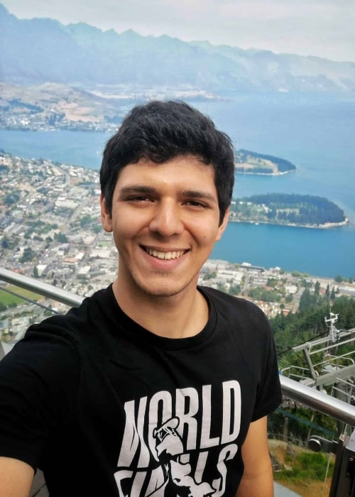 Igor Fraga as seen while smiling for a selfie in Queenstown, New Zealand in January 2020