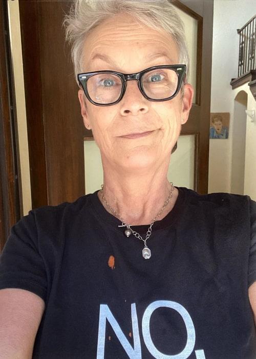 Jamie Lee Curtis in an Instagram selfie from April 2020