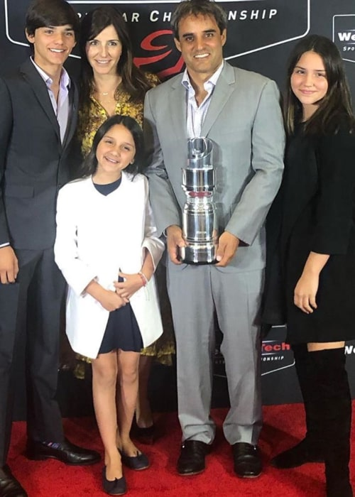 Juan Pablo Montoya and Connie Freydell with their children, as seen in October 2019