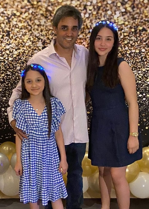 Juan Pablo Montoya with his daughters, as seen in February 2020