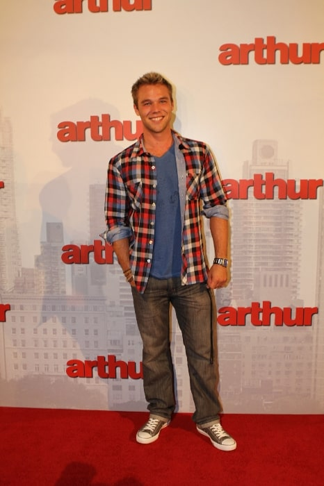 Lincoln Lewis at the premiere of Arthur in 2011