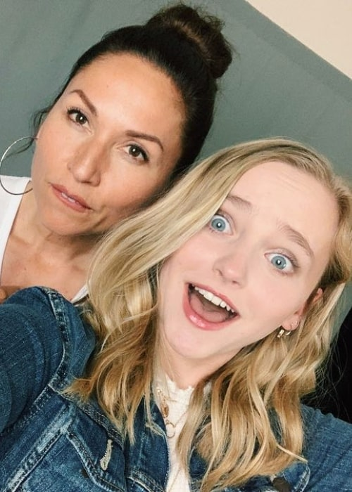 Madison Wolfe in a selfie taken with actress Nicole Barre at Launch Model & Talent in Metairie, Louisiana in May 2019