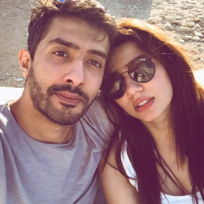 Mahira Khan in a selfie alongside Hissan Khan