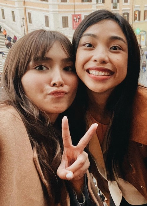 Maymay Entrata (Right) as seen while smiling in a selfie alongside Kathryn Bernardo