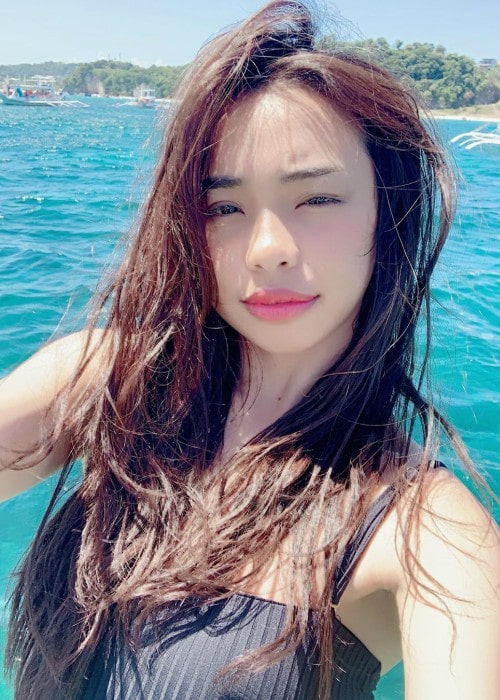 Maymay Entrata as seen while taking a selfie in Palawan