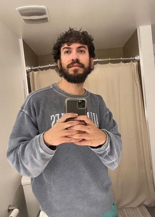 Robert Lopez as seen in a selfie taken while sporting a thick beard in May 2020
