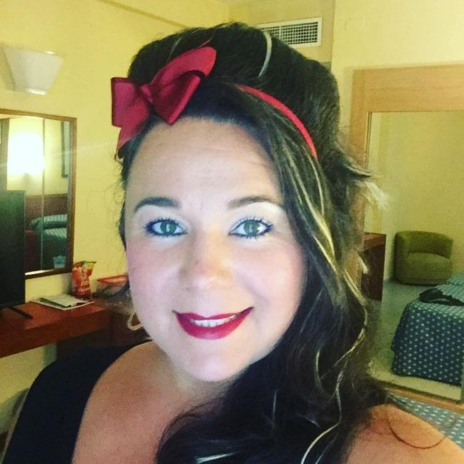 Shelley Longworth smiling for a selfie in July 2016