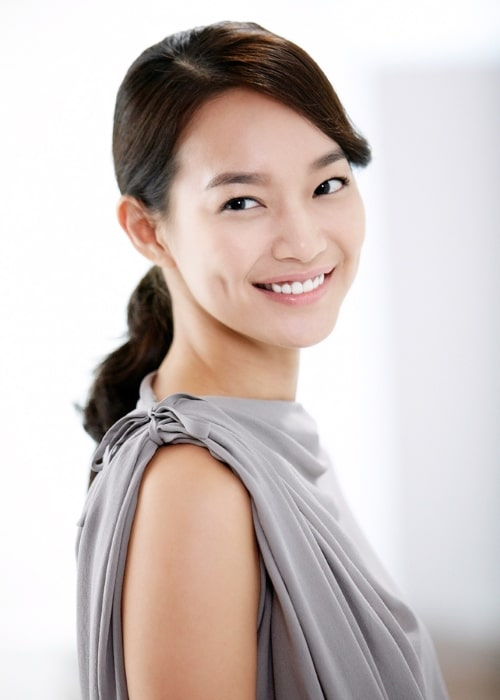 Shin Min-a while advertising for LG Optimus 3D and LG Cinema in September 2011